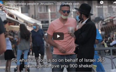 David Sidman from Israel365 brightens the day of the homeless in Jerusalem